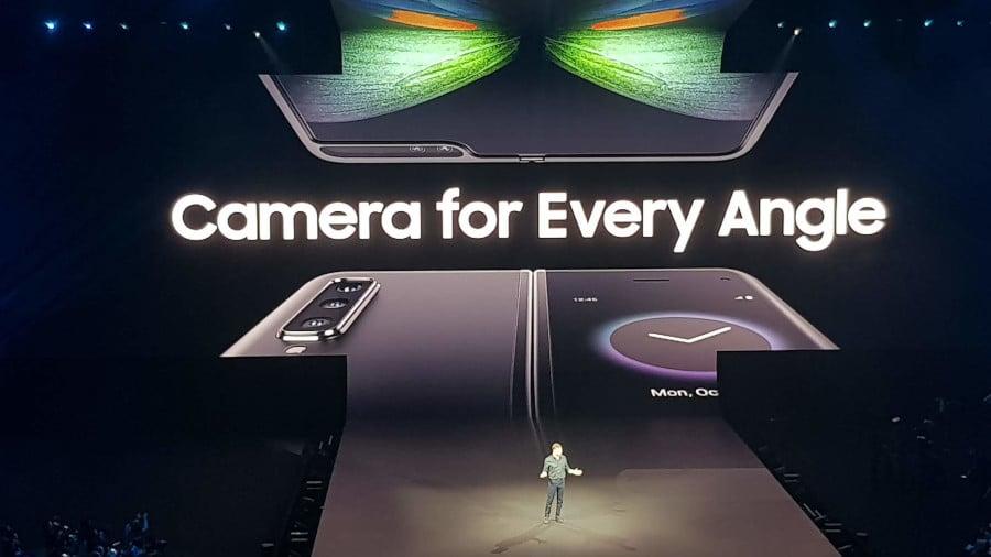 Samsung Galaxy Fold มือถือพับได้